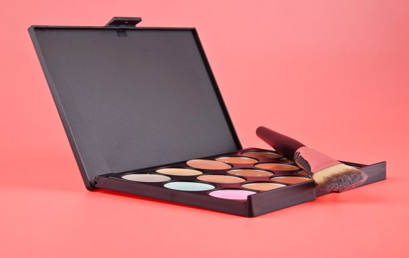 Multi-Use Palette is a Luxe Favorite that Adds Luminosity to your Look