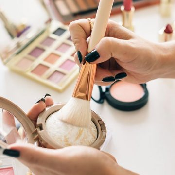 12 Highlighters Beauty Bloggers Love